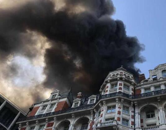 伦敦一酒店起火 悲剧真相简直太吓人了