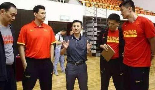 中国男篮年底合并 究竟是怎么回事?