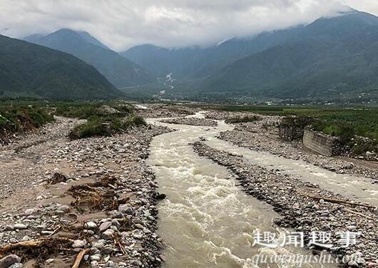 暴雨夜袭四川冕宁一家5口遇难 实在是一场突如其来的灾难让人痛心