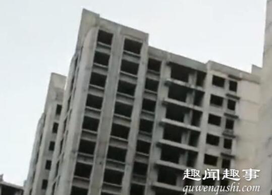 昆明30户居民住进烂尾楼 到底是什么情况?