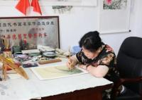70岁阿婆拿到中国美院书画双学位 简直令人敬佩不已