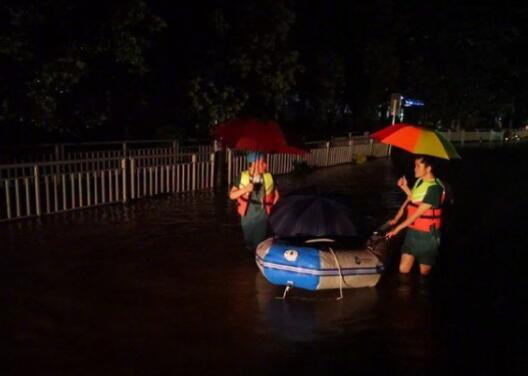 洪灾已造成郑州市区12人死亡 究竟是怎么回事?