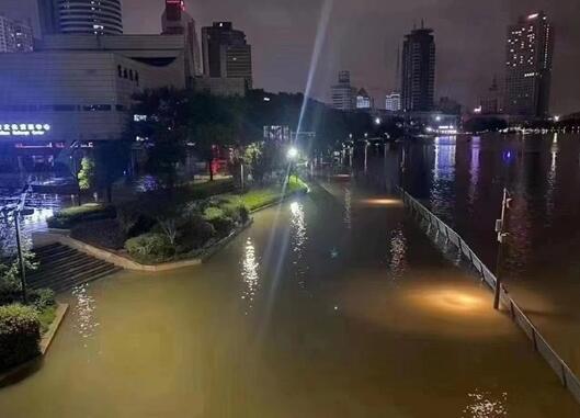 台风烟花将登陆 浙江多处海水倒灌 究竟是怎么回事?
